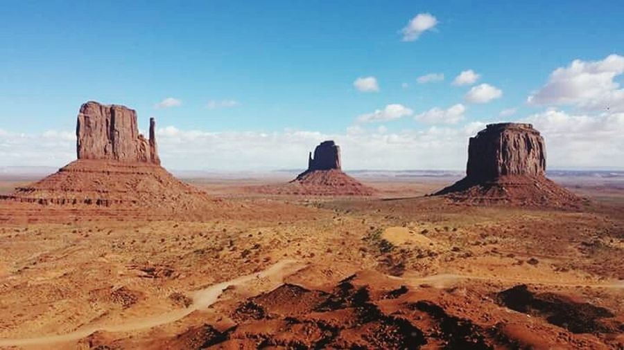 West And East Mittens Buttes Landscape Monumentvalley Merrick Butte Navajocounty Utah