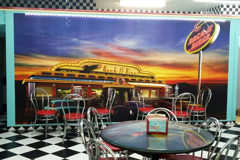 Taking Photos Check This Out Vintage Furniture Vintage Style Enjoying Life Restaurant Decor Vintage Restaurant View Jukebox Store Decor Restaurant Relaxing Storephotography Ice Cream Icecream🍦 Dinner Table