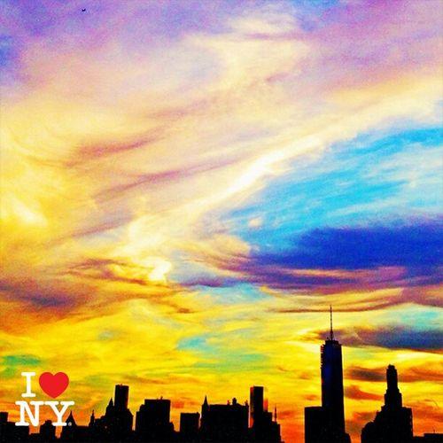 My beautiful Manhattan <3 Newyorkcity Color Portrait Artistic Photo Ilovenewyork Amazing View Coloursplash Grattacieli La Mia Newyork. EyeEm Best Shots Photooftheday