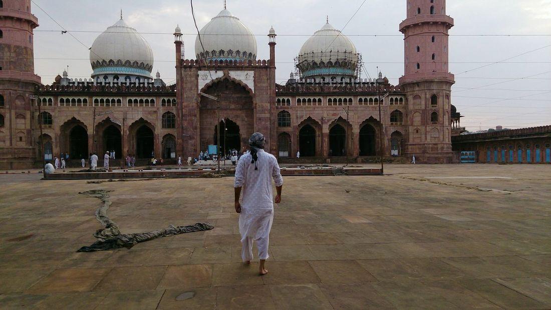 Adhaan Architecture Azaan Beautiful Bhopal Beautiful India Beautiful Masjid Beautiful Mosque Bhopal Biggest Mosque Building Exterior Building Lights Dome Dusk Famous Place India Islam Lighting Masjid Minarets Place Of Worship Religion Salad Spirituality Taj Ul Masajid Wudhu