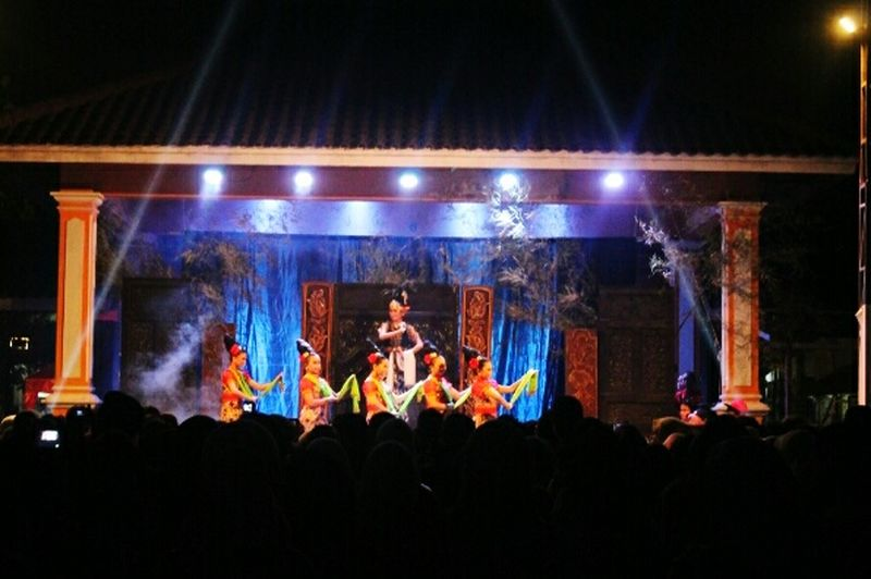 Guess where's me? 👆👆 Bancerong Dance Traditional Dance Purwokerto Central Java, Indonesia.