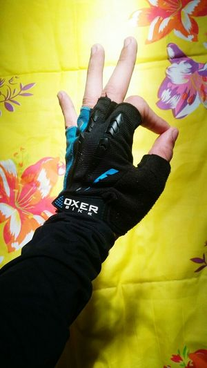 Here se go ! Oxer Bike Oxer Glove Ciclismo Road Champion Human Hand Painted Image Multi Colored Portrait Black Color Close-up