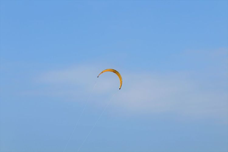 Kiteboarding Extreme Sports Sky Parachute Paragliding Flying Wind Surfing One Person Clear Sky Mid-air Adventure Sport Freedom Unrecognizable Person Sky And Clouds Nature Nature Photography Summer Berck Plage Mer Beach Wind Abstract Colors Colorful