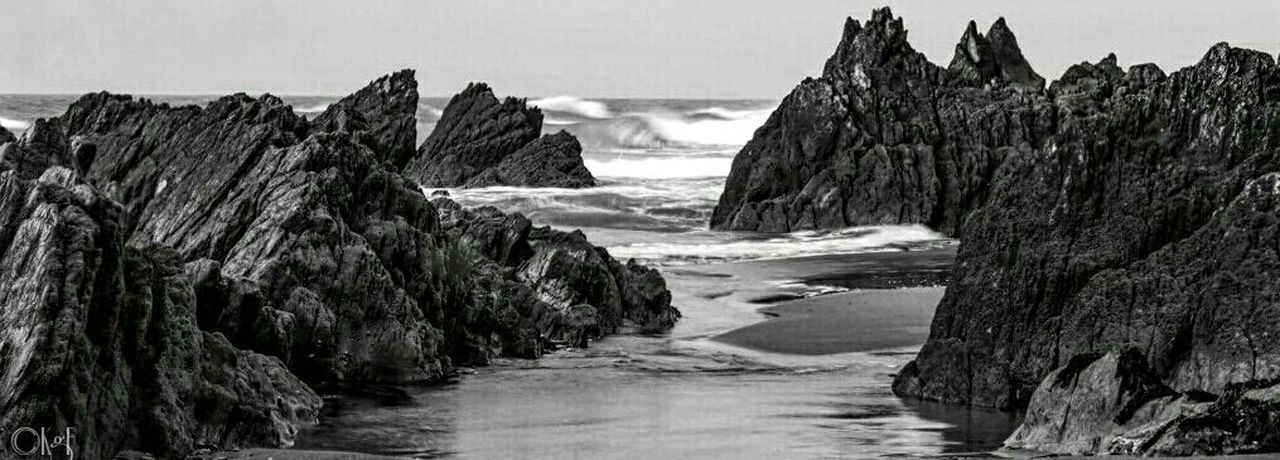 A breezy autumn day spent on Freathy beach, Cornwall Black And White Beach Ocean View Cornwall Seaview Ladyphotographerofthemonth No People Nature The KIOMI Collection