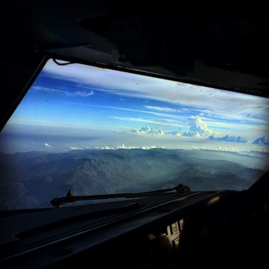 If this be the view outside the window who wants to look in. Cockpitview Flightdeckview Boeing737 Piloteyes737 Boeinglovers Himalayas Mountains Clouds Airlinepilot Crewlife Bluesky Instagramaviation India Incredibleindia Lonelyplanetindia Indiatraveller Cloudsurfer