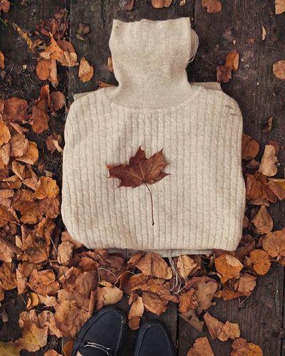 """Пора включать """"Sweater weather""""🍂🍁 и наслаждаться осенью, ощущая внутренние спокойствие. С октябрем вас, друзья!💞 жёлтых_листьев_настроение от @paramariba81 @shintapaly @manka_v_kruzhevah"""