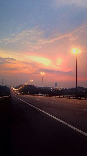 Bila senja datang. Check This Out EyeEmMalaysia IPhoneography Taking Photos Clouds And Sky Ontheroad Danywahphotography