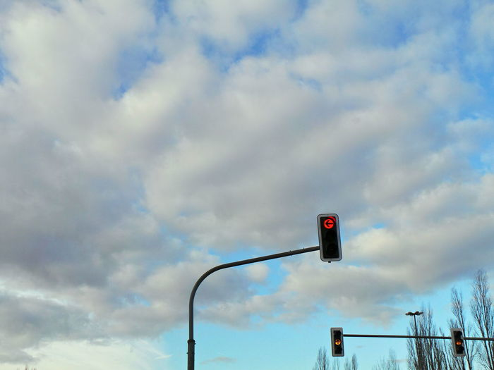Ampel Clouds And Sky Guidance Himmel Red Rot Sky Sky And Clouds Technology Traffic Light  Traffic Lights Wolken Wolkenhimmel