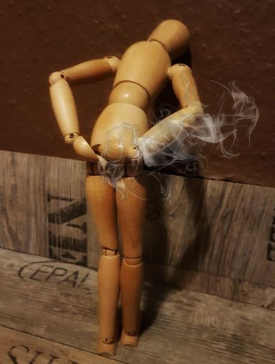 Doll Wood - Material Fart Stomach Pain Funny Photo Creative Photography Indoors