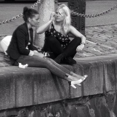 Keep someone talking and they'll think later what an interesting person you were. Goteborg Bnw Friends Bestfriends Streetphotography Bff People Bn Girls Monochromatic Candid Amigas Blackandwhite Sverige Portrait Ig_sweden Girl Igersgothenburg Streetphoto Blonde Gothenburg Monochrome Bw Sweden