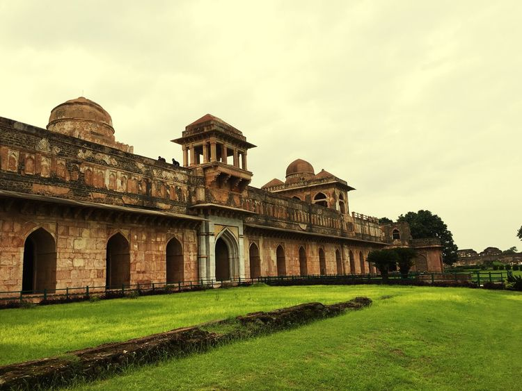 Oldmonument Architecture Travel Destinations Outdoors Grass Ancient Civilization