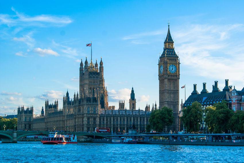 Architecture Big Ben Big Ben London Building EFENE Efene-studio Efene-studio.com London LONDON❤ Parliament Street The Architect - 2016 EyeEm Awards The Architect- 2016 Eyeem Awards The Thames
