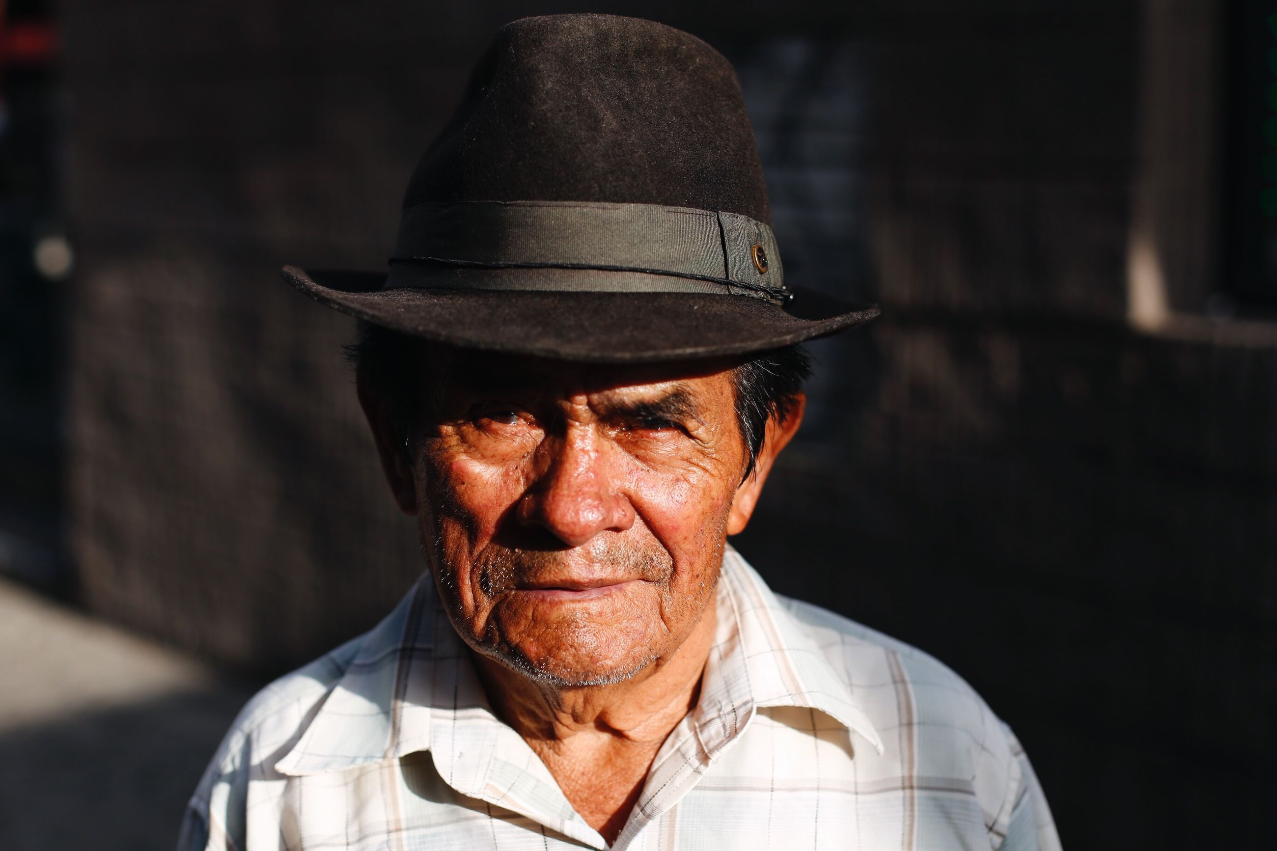real people, senior adult, one person, senior men, focus on foreground, headshot, lifestyles, cap, portrait, close-up, outdoors, day
