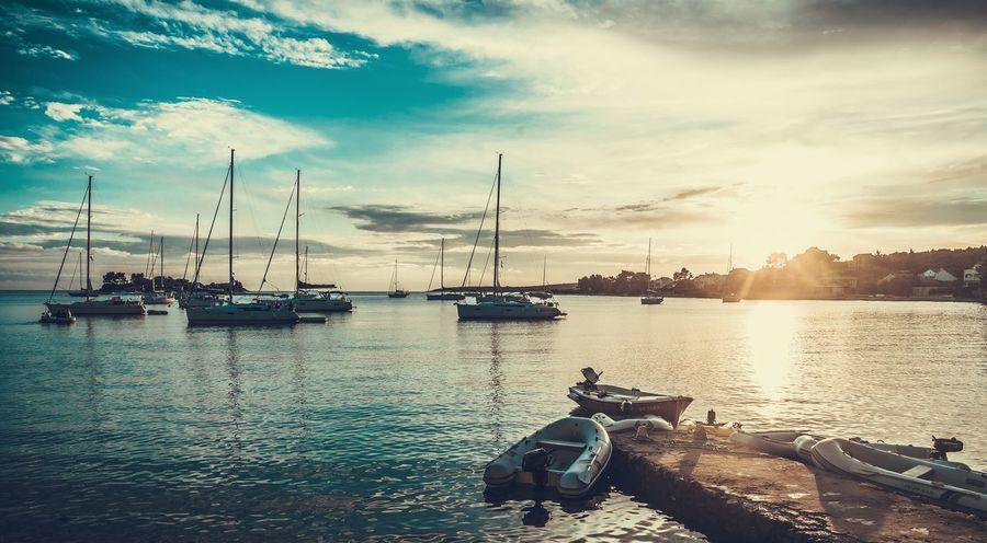 Boat Sunlight Sea Sailing Skipper Ocean Traveling