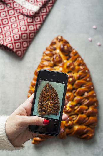 Christmas braided tree Brioche Celebration Christmas Dessert Eastern Europe Modern Winter Yum Bakery Braided Bread Chef Delicious Food Pastry Phone