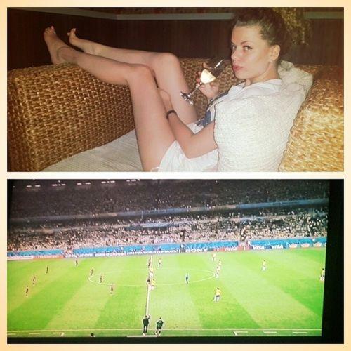 Где бы мы не были, что бы не делали, всех нас объединяет футбол ЧМ германияжжет Football ⚽ ? ?