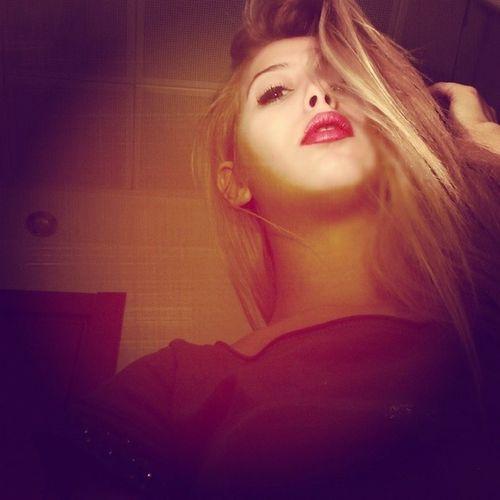 Model_of_turkey Redlips Blonde Ff follow amazing cute instagram instaistanbul instamode instamessage instatalk instagirl cool bored life izmirli