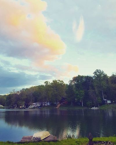 Beautiful sky. Lakehouse Dadsboat Photography