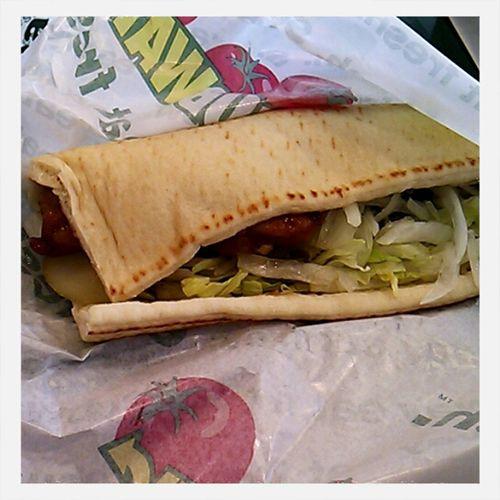 珍しくサブウェイ(・ω・)。 照り焼きチキンサンド(トマト抜きわさび醤油ソース) Sandwiches Subway Sandwiches Japan サブウェイ