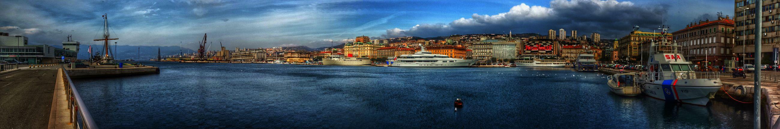 Enjoying Life Hello World Sea HDR #rijeka