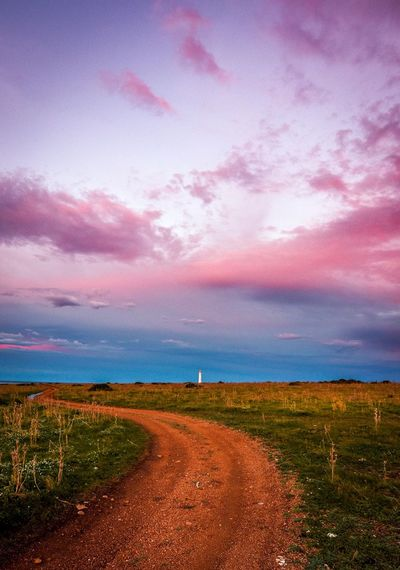 Il cielo è (quasi) sempre più blu. Sky Cloud - Sky Beauty In Nature Environment Nature Tranquil Scene Landscape Tranquility Field Scenics - Nature No People Sunset Plant Land Agriculture Growth Rural Scene Idyllic Pink Color Outdoors