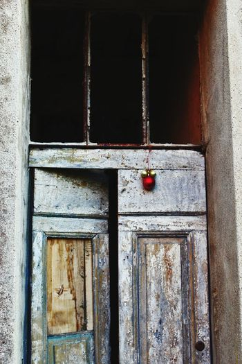 It's a creepy door Italy Tuscany Creepy Canonphotography Canon Door Abandoned Architecture Built Structure No People Day Indoors