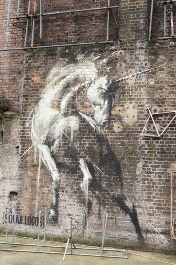 Unicorn Unicorn✨✌❤ Unicornsarereal UrbanART Londres LONDON❤ Londra London Graffiti & Streetart Graffiti Graffiti Art STRRET ART/GRAFFITI Streetartphotography Creativity England🇬🇧 Streetart StreetArtEverywhere Street Art Urbanarts Art And Craft