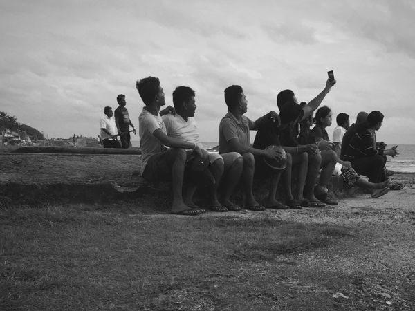 Having a good time. SriLanka Ceylon Galle Galle Fort Traveling Selfies Friendship Travel Photography Blackandwhite Men