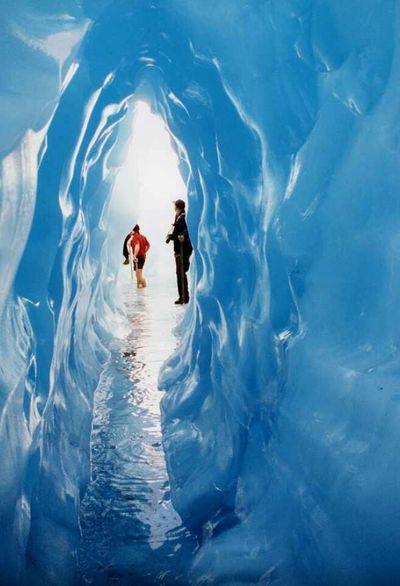 An ICE TUNNEL :))))