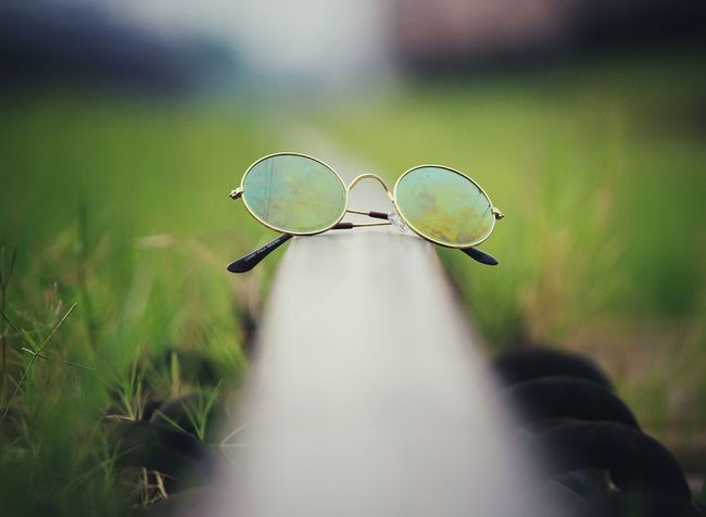 Sunglasses Glass - Material Sunglasses👓 Sunglass Reflection Vintage Modernvintage Vintage Photo Vintage Photography Lomo Style Lomography, Best EyeEm Shot Best Shots EyeEm Bestphotos Bestphotooftheworld Day No People Outdoors Nature Close-up