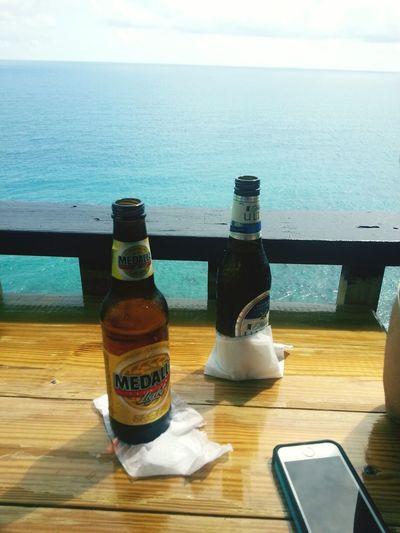 La Vida En La Playa Relaxing Drinking Beer Life Is A Beach
