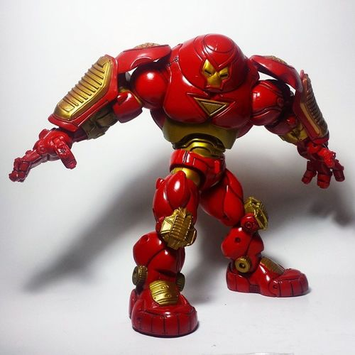 It was the old Toybiz Hulkbuster! Thanks so much to @thefett537 for an amazing deal! Go check him out! Toybiz Marvel Marvellegends Marvelcomics Marvelnation MarvelFan Toyfan Actionfigure Toys Toyphotography Toypizza Toysarehellasick Toycollector Toycommunity Toycollection Hulkbuster Ironman Tonystark Avengers AgeOfUltron