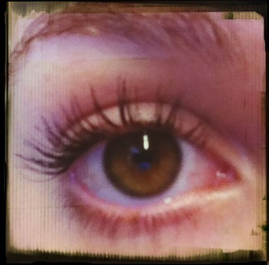 wish i had blue eyes instead of brown -.-