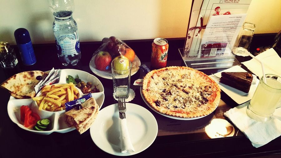 Relaxing Food♡ Room Service Libya Tripoli Chees Cake Pitzza Joues ^_^