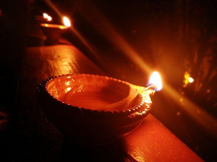 Burning Oil Lamp Night Diya - Oil Lamp Diwali💟🎇🎆🌌