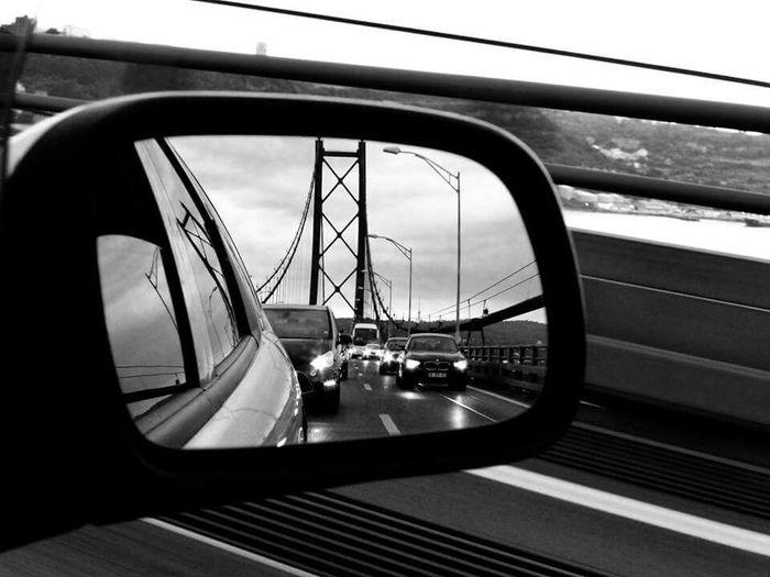 Retrovisor Taking Photos Flying Over Your Imagination Bridge Details EyeEm Gallery Global EyeEm Adventure - Lisbon EyeEmBestPics Portugaldenorteasul Ponte25deabril