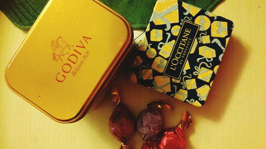 Sweet Gift Godiva Loccitane