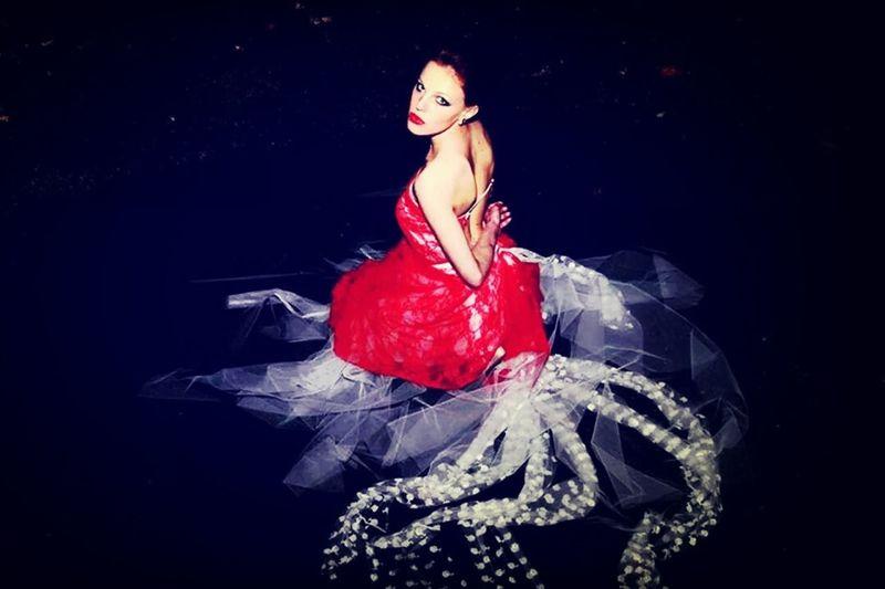 Shooting de nuit ... Photographe : A.B Photography Model :Mallaury ... Robe : Estiven Crearion Estivencreation Nouvellecollection Dress Night