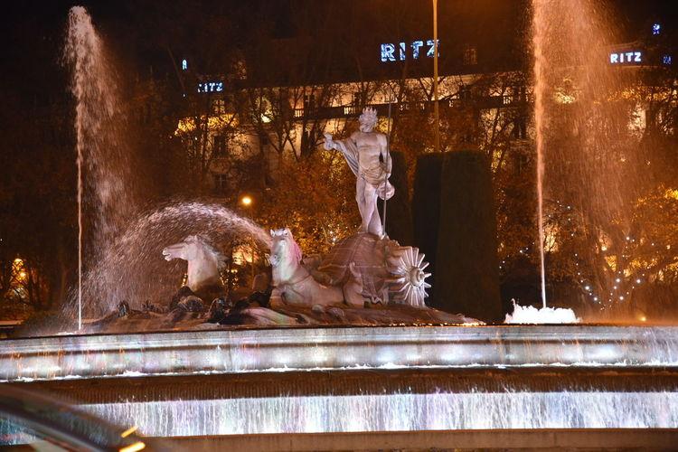 Statue Illuminated Night Fuente De Neptuno Dios De Los Mares