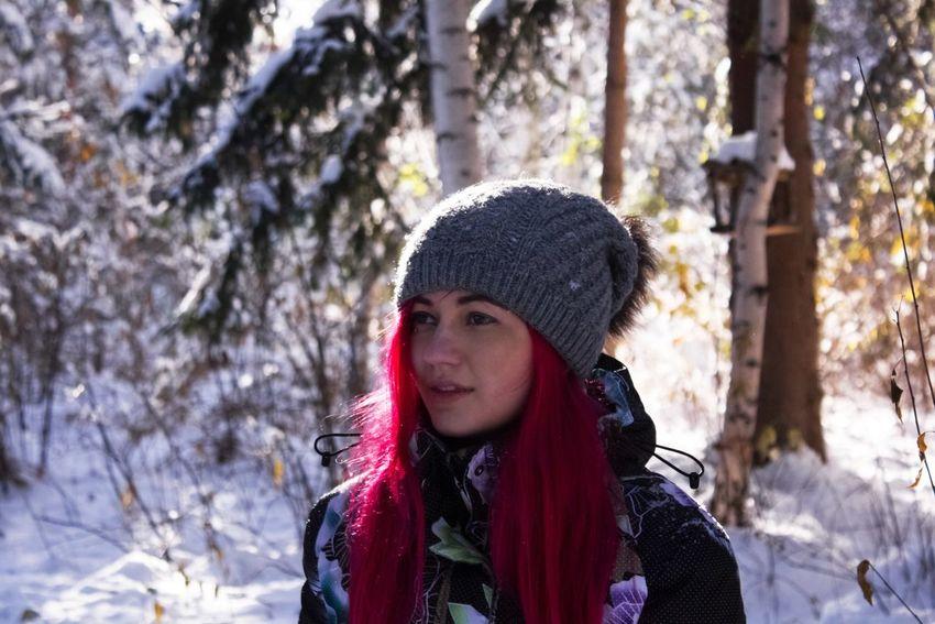 Tree Warm Clothing Winter Knit Hat Cold Temperature Colorhair Long Hair Outdoors Snow One Person Blond Hair Young Women Portrait волосы Day осень Autumn Nature Природа пейзаж этоя  я селфи Selfie ✌ Me