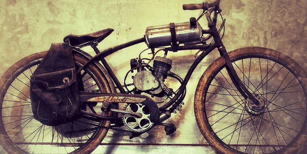 Bicycle Transportation Mode Of Transport Stationary Land Vehicle Metal No People Indoors  Day Bicycle Rack Close-up Motorized Vintage