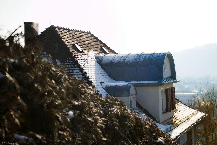 Im Winter schätzt man es umso mehr ein Dach über dem Kopf zu haben Freezing ❄ Outdoor Schön Canonphotography Fotografie Haus Hausdächer Winter Wonderland Winter Schnee Snow ❄