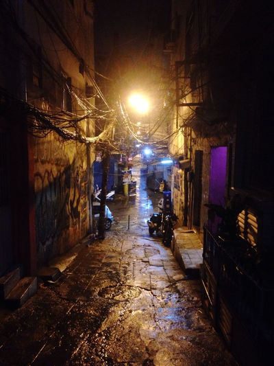 Nightlifephotography Lights In The Dark Favela Rocinha Architecture Illuminated Night Outdoors City Brazil Favela Electricity  Streetphotography Urban Cityscape Exploring Social Issues Built Structure Night Scene In The Dark Spooky Street Lights Allyway Rocinha
