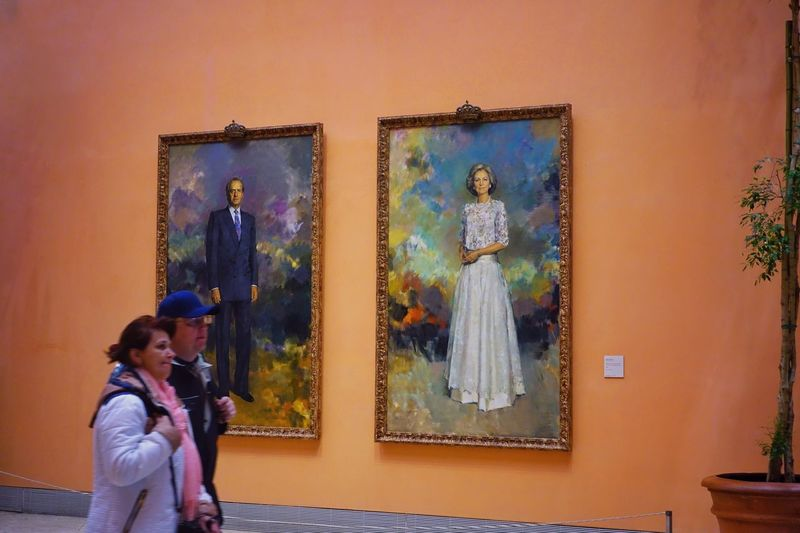Real People Indoors  Women Lifestyles Madrid SPAIN Museum Art Exhibition Thyssen Bornemisza Museum Thyssen Bornemisza Modern Two People Human Representation Adult Men Standing Art And Craft Togetherness Young Women Picture Frame Family Wife Husband People Representation Casual Clothing