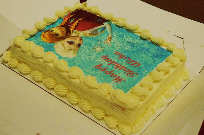 Frozen Disney Frozen Anna E Elsa Cake Cake Time Cake♥ Cakeart Foodporn Food Desert Yummy Save On Food Safeway  Birthday Cake Birthdaycake 🎂 Birthday Party