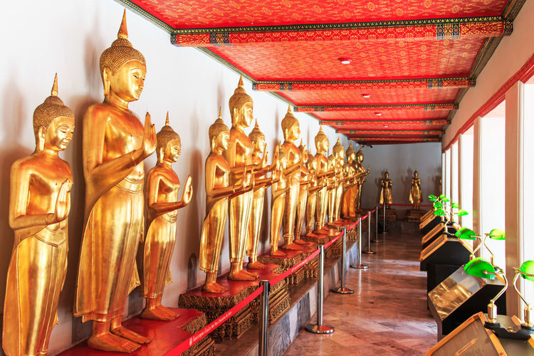 Gold buddha statues in wat pho