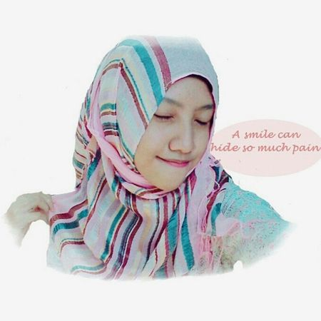 A smile can hide so much pain. The Power Smile I'm Proud To Be Muslim 💕