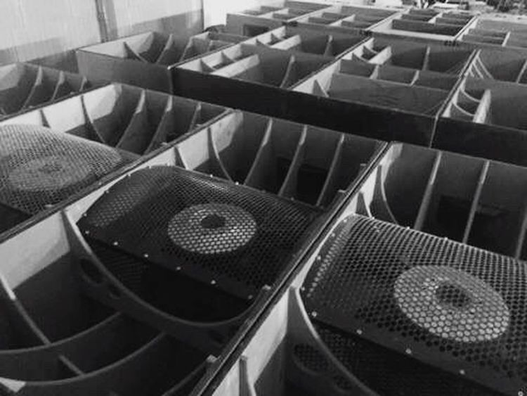 Clearsound Hello World EyeEm Best Shots Indoors  Outdoors Sonorisation Caissons Sub 150kw Blackandwhite Black And White Black & White