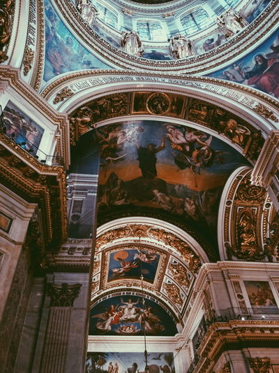 Architecture Ceiling Religion Indoors  Ornate Fresco History Built Structure Low Angle View Place Of Worship Dome No People Travel Destinations Day EyeEmNewHere