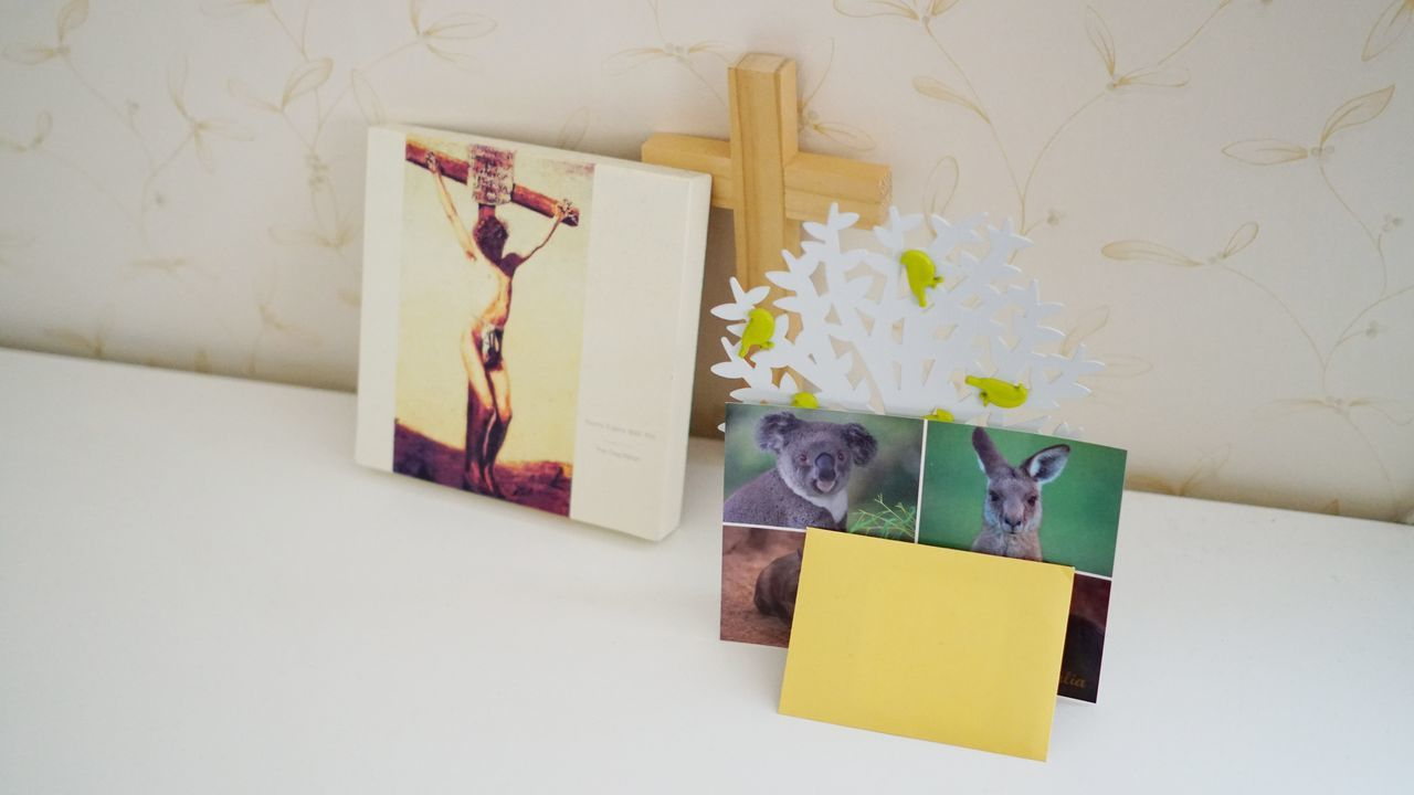 adhesive note, yellow, indoors, paper, no people, day, close-up